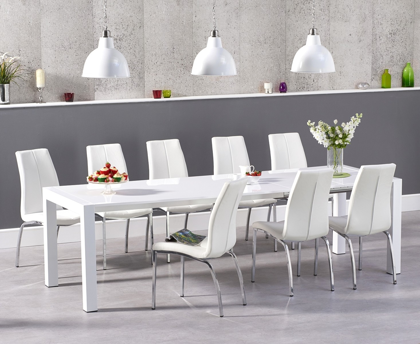 An image of Jacobi Extending White High Gloss Table with Cavello Chairs