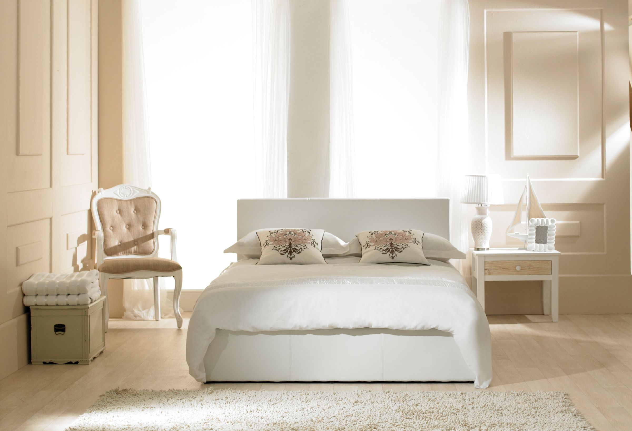 Madrid White Faux Leather Ottoman Super King Size Bed